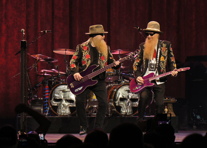 Sharp Jammin' Men: ZZ Top Grill Up Some Tasty Grooves at the State Theatre