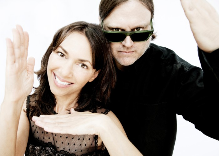 Not Like Everybody Else Does: Matthew Sweet and Susanna Hoffs Totally Cover the '80s